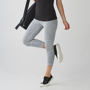LULULEMON WUNDER UNDER CROP High Rise
